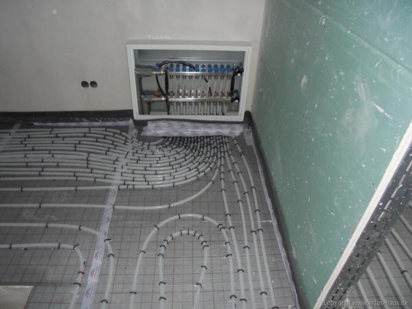 Verlegung Fußbodenheizung 2 / Artos-Haus