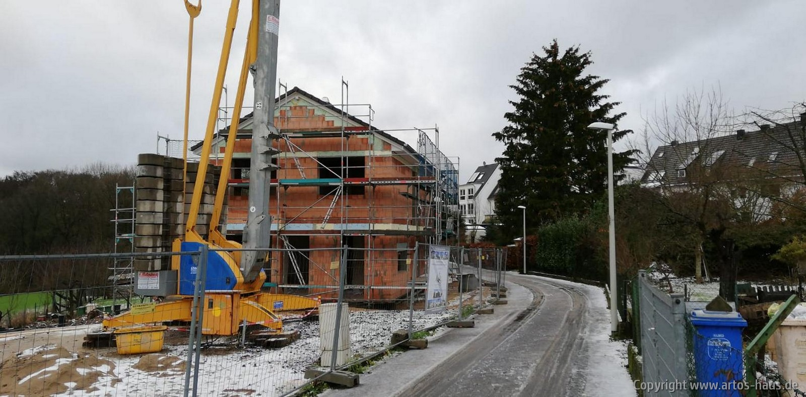 ARTOS BV Bonn - Dach fertiggestellt