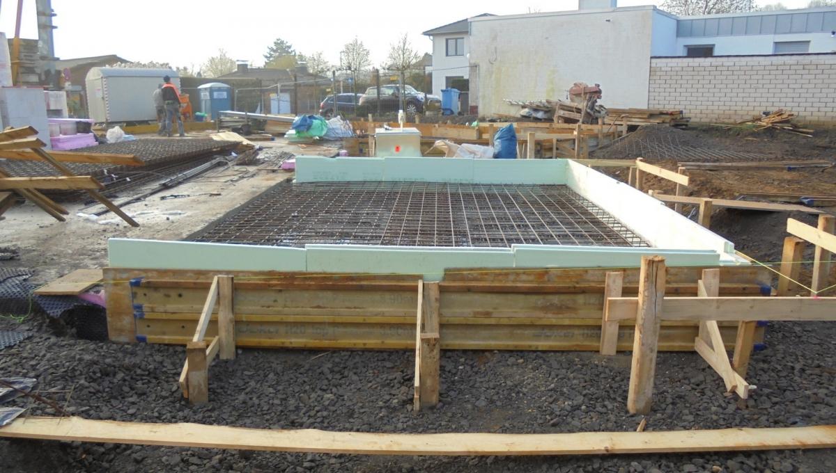 Vorbereitung Betonieren Bodenplatte EG | Artos-Haus