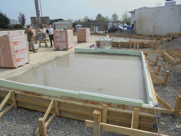 Betonieren Bodenplatte EG 2 | Artos-Haus