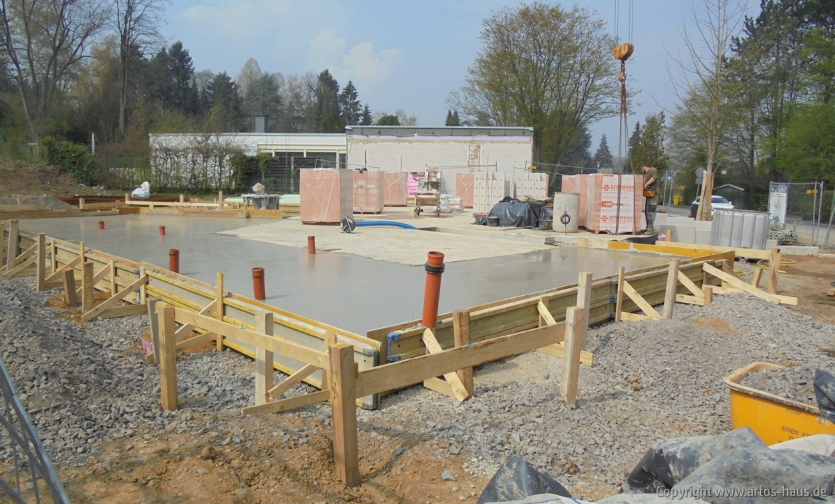 Betonieren Bodenplatte EG | Artos-Haus