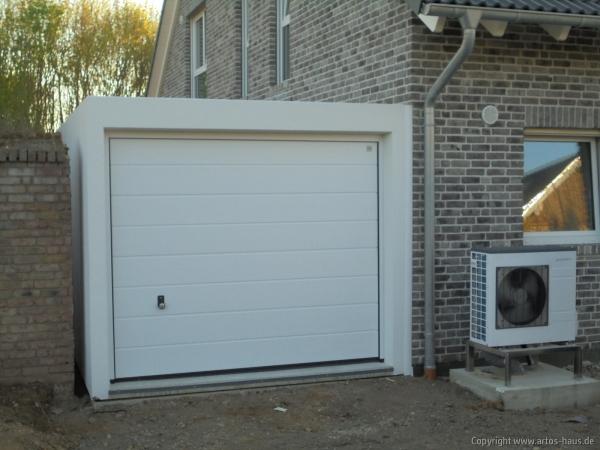 Artos-Haus, Lieferung und Montage 2 Garagen