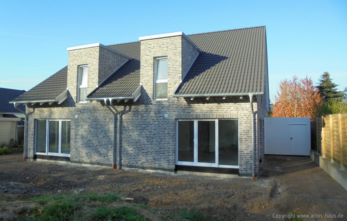 Artos-Haus, Lieferung und Montage 2 Garagen Bild 3