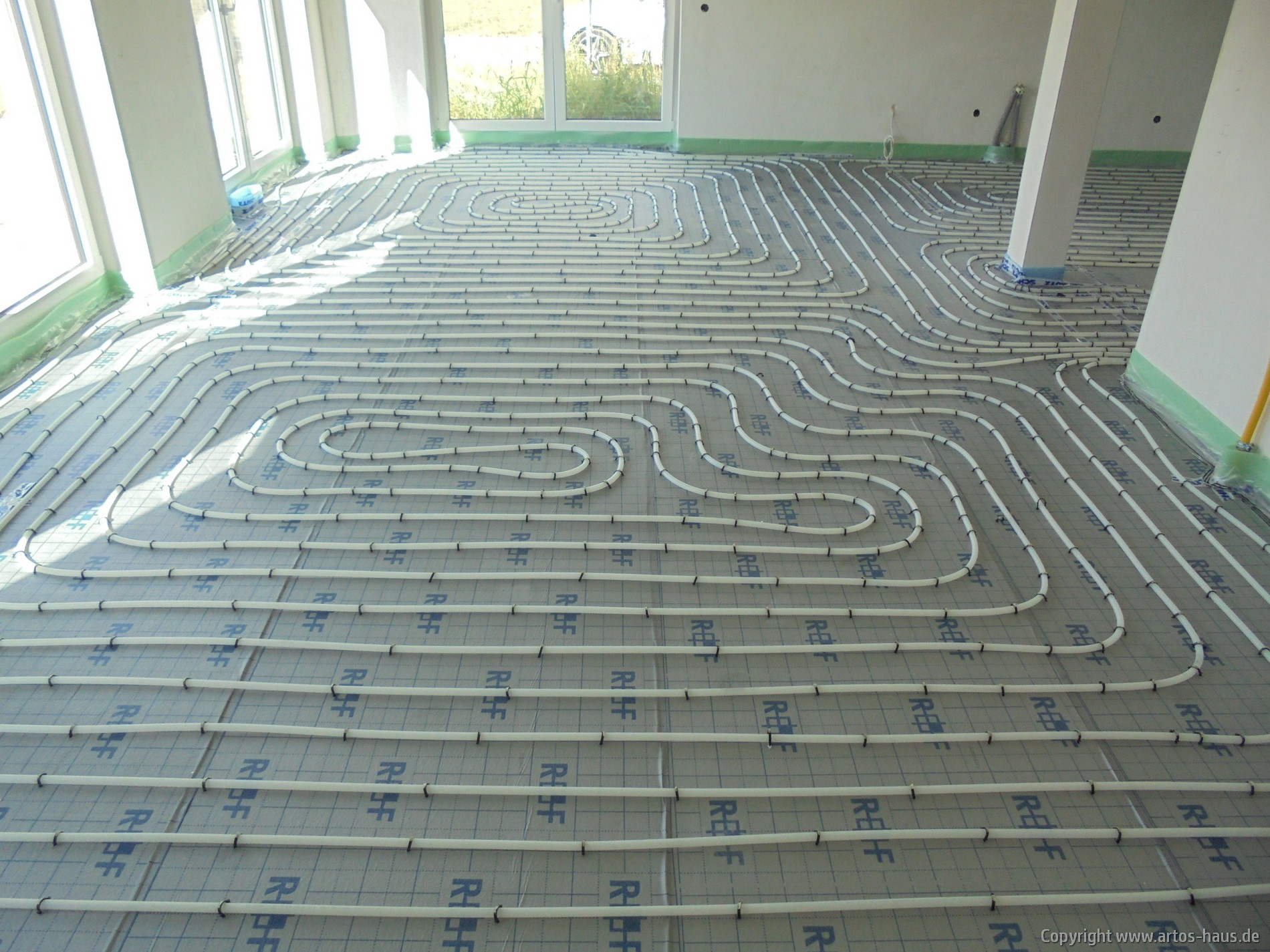 Auslegen der Fußbodenheizung Bild 4