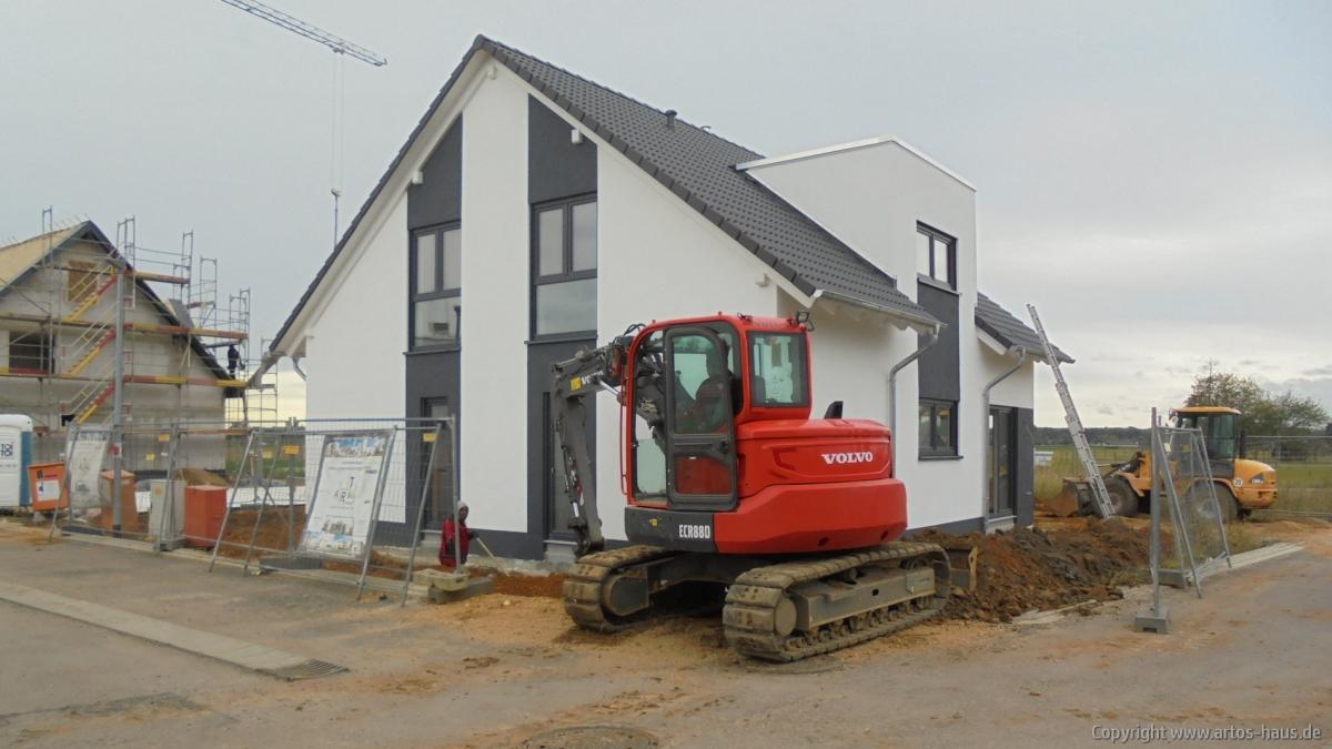 Entwässerung und Aufbau Terrasse und Garagenzufahrt ARTOS HAUS Bild 1