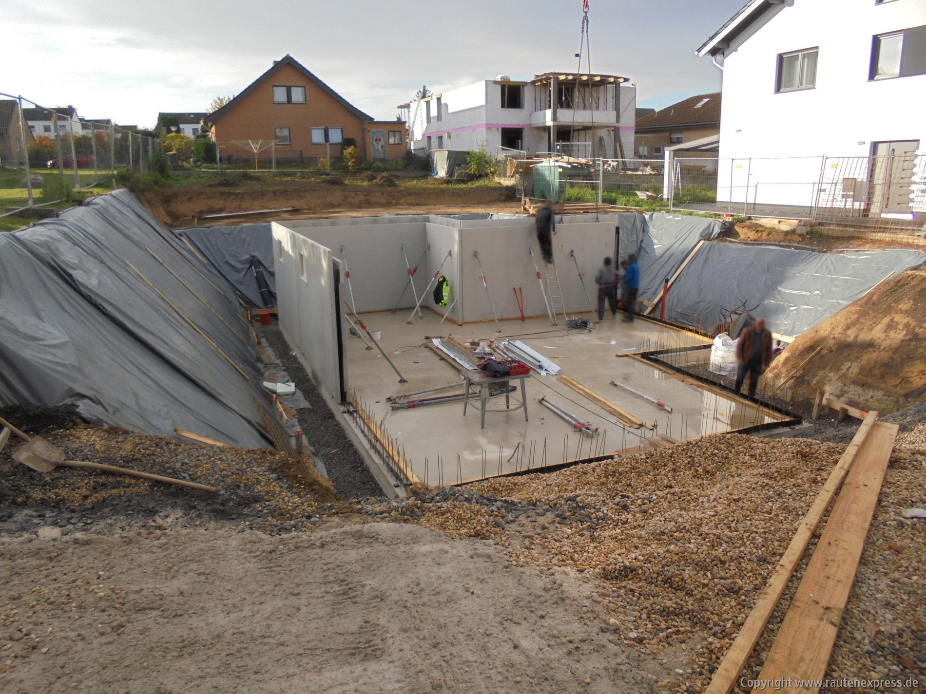 Kellerwände werden geliefert | artos-haus.de Bild 2