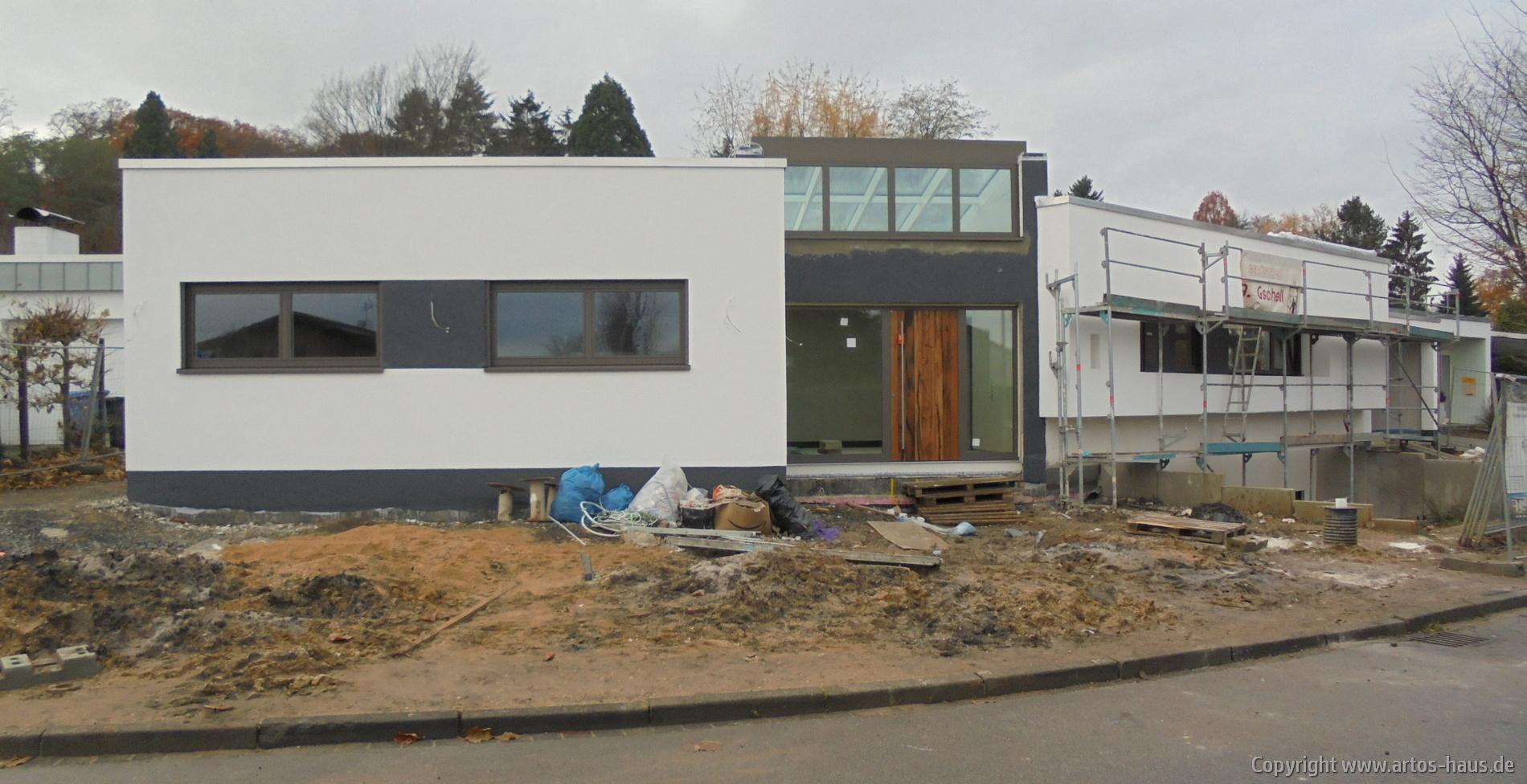 Einbau der Haustüre | Baucvorhaben ARTOS HAUS in Frechen | Bild 1