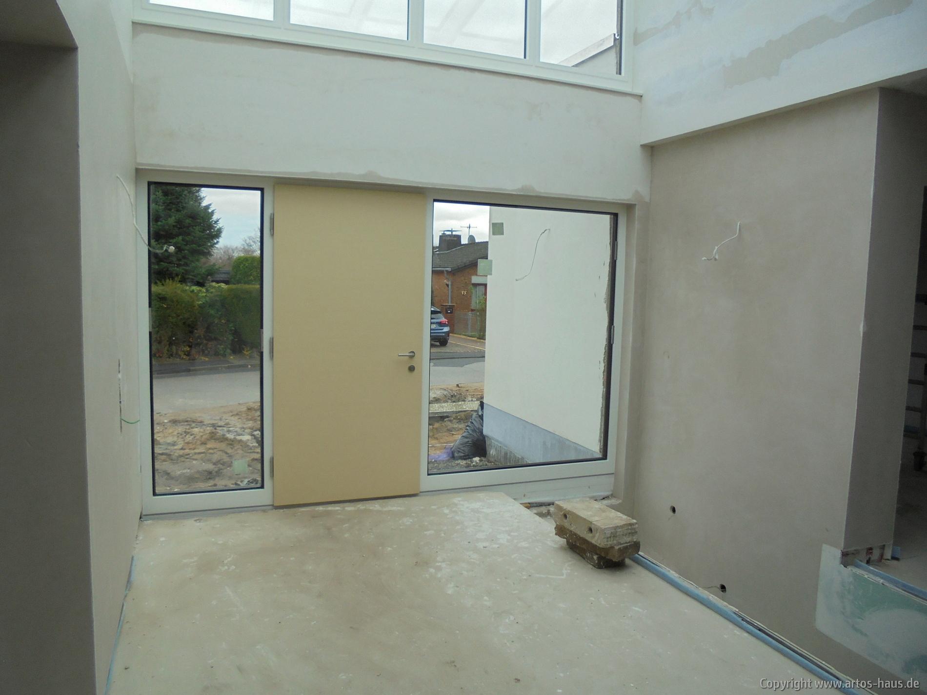 Einbau der Haustüre | Baucvorhaben ARTOS HAUS in Frechen | Bild 3