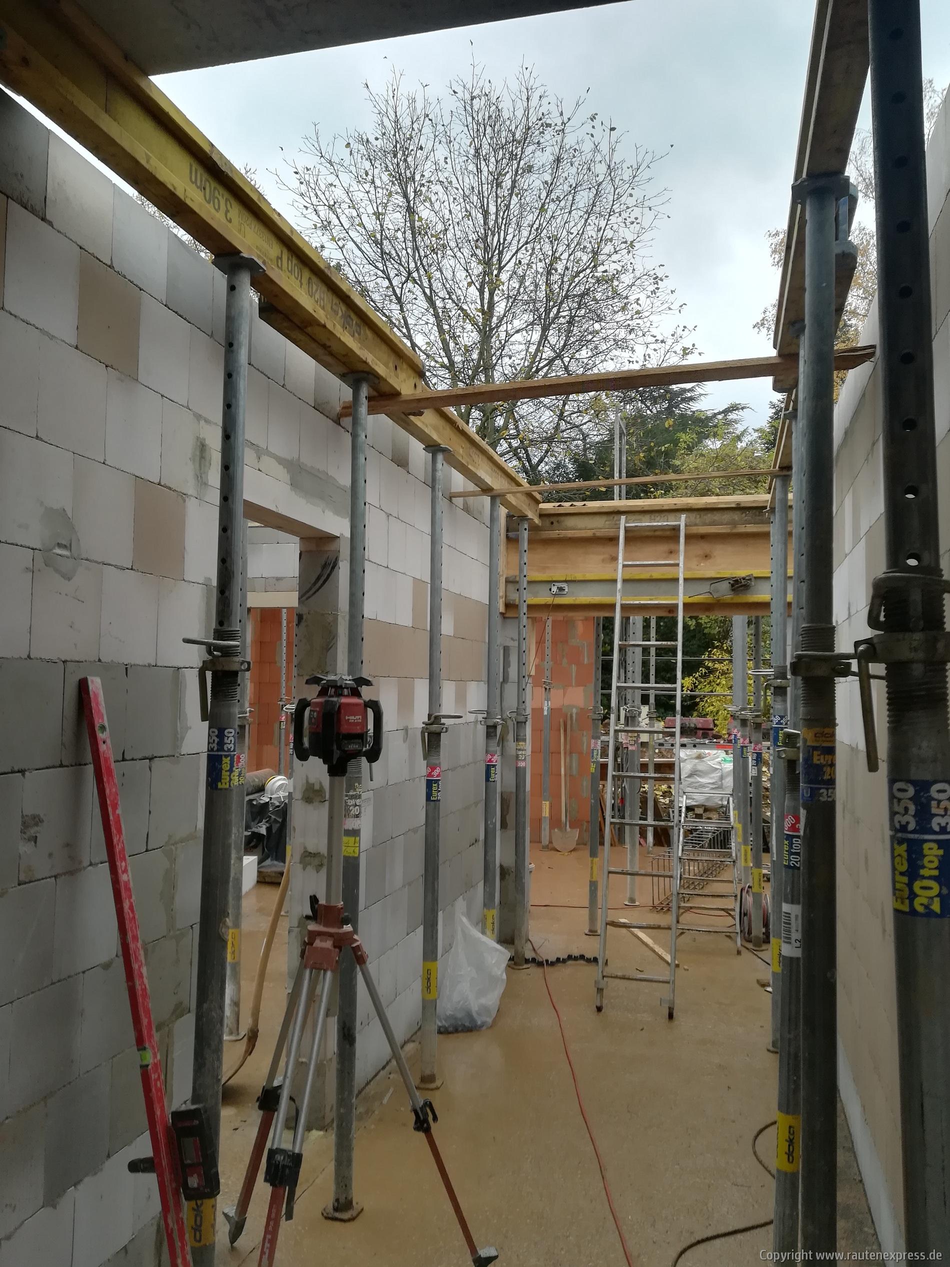 Notwendiges Stützwerk für die Erdgeschoßdecke | ARTOS HAUS 2019 Bild 3