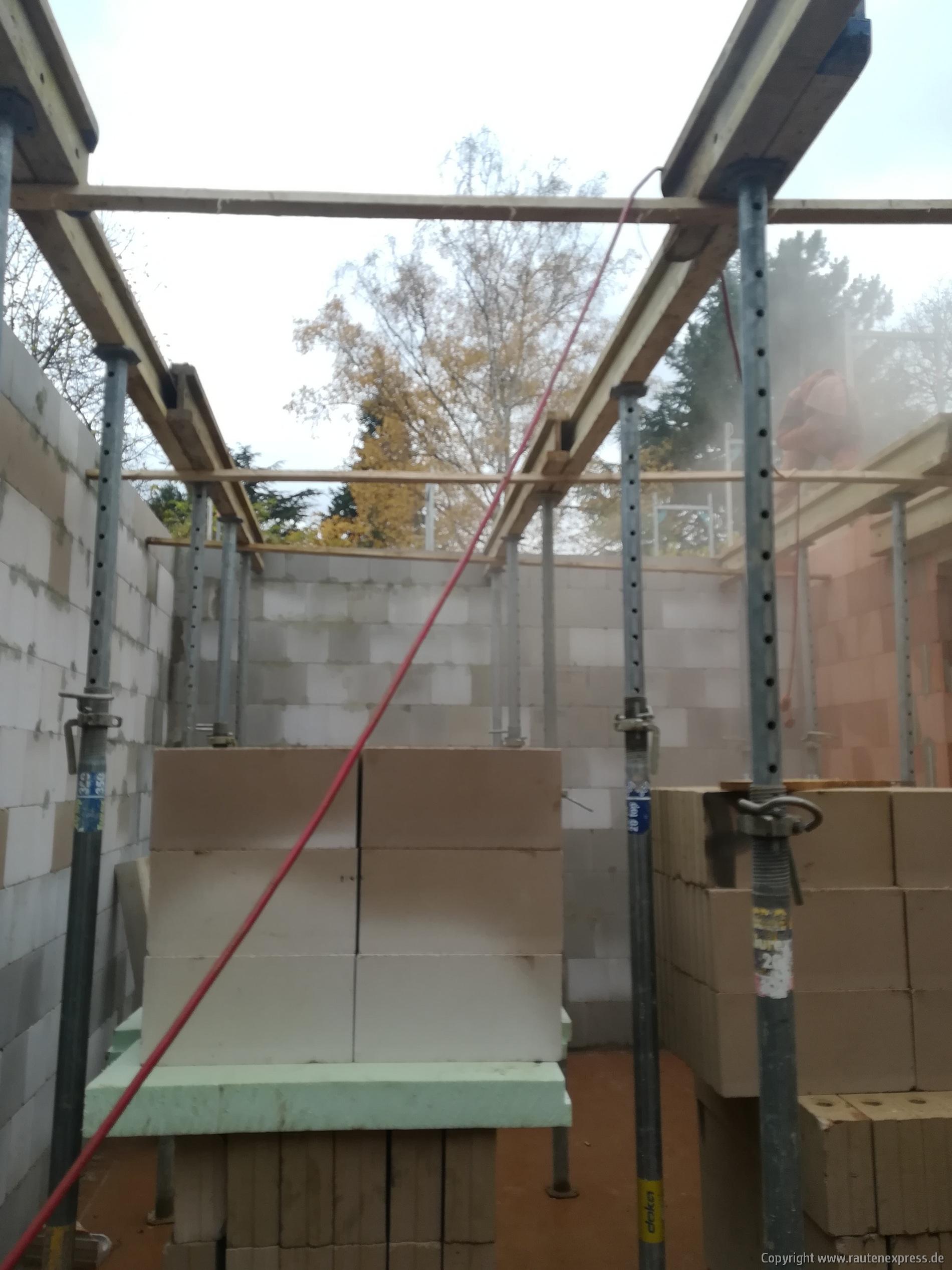 Notwendiges Stützwerk für die Erdgeschoßdecke | ARTOS HAUS 2019 Bild 1