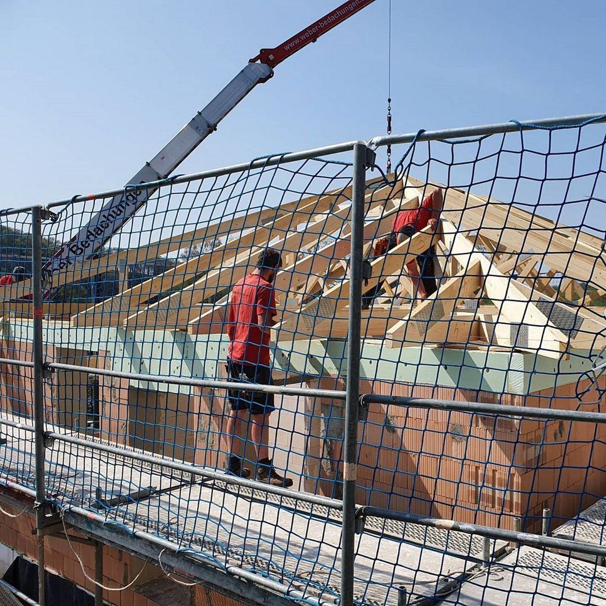Der Dachstuhl kommt | BV ARTOS HAUS