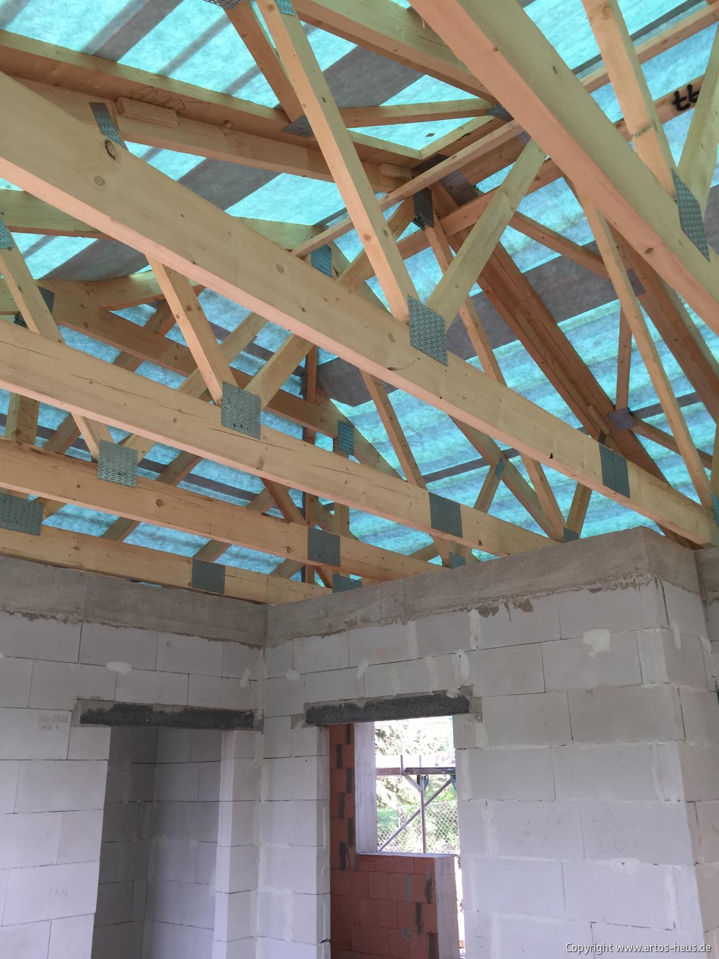 Der Dachstuhl kommt | BV ARTOS HAUS Bild 3