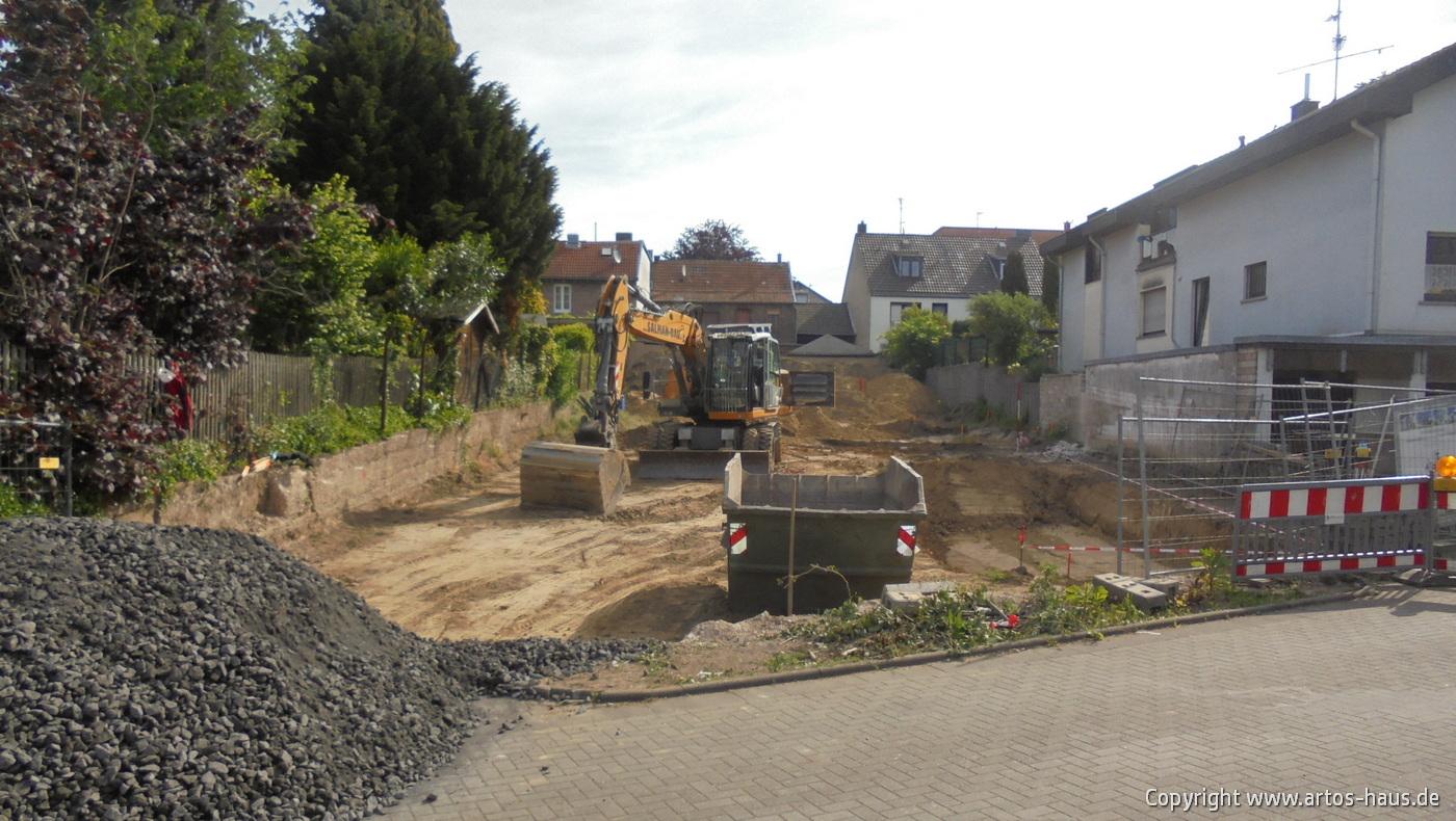 Erdarbeiten Mehrfamilienhaus www.artos-haus.de Bild 2