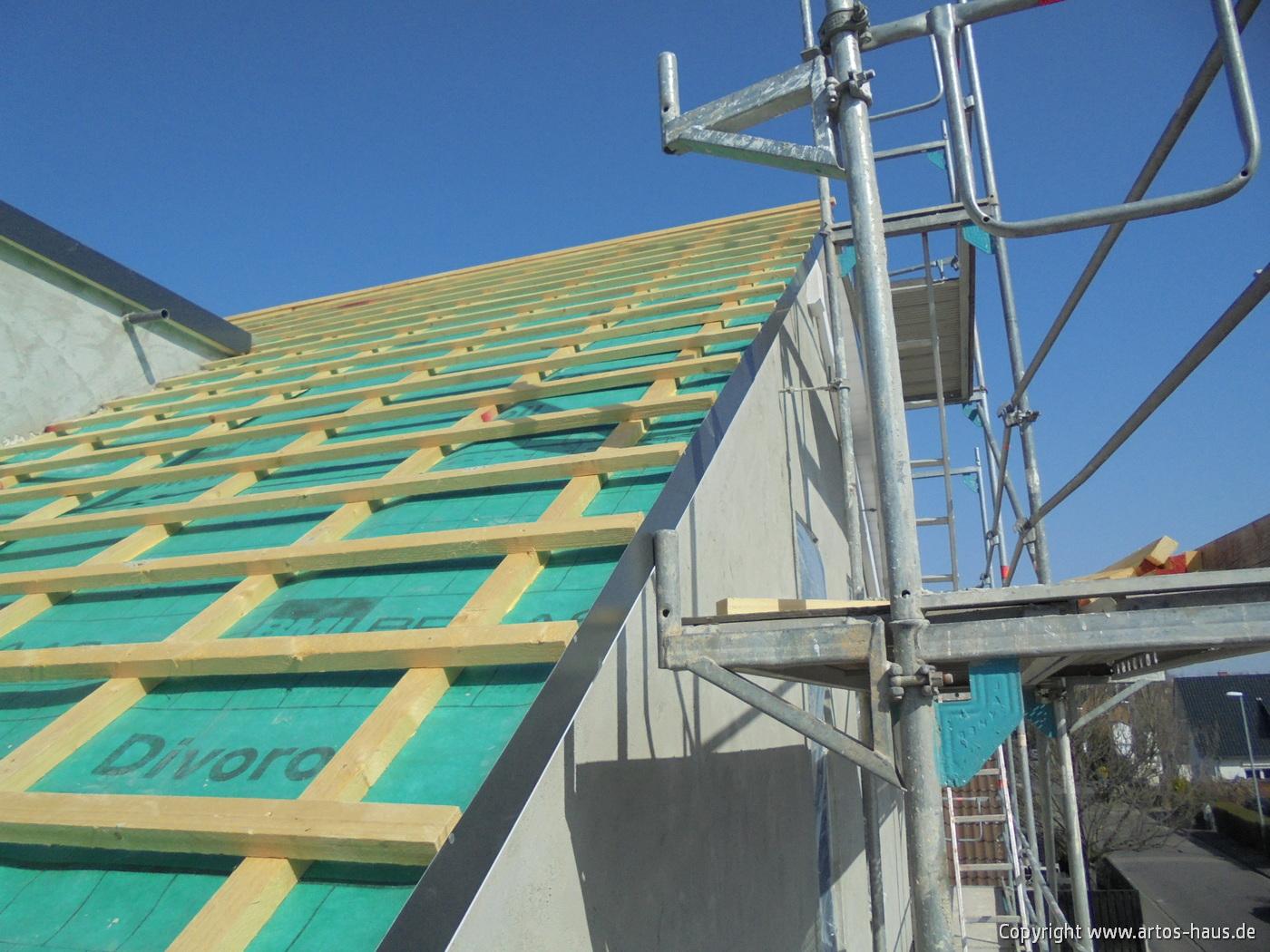 Dacheindeckung www.artos-haus.de Bild 1