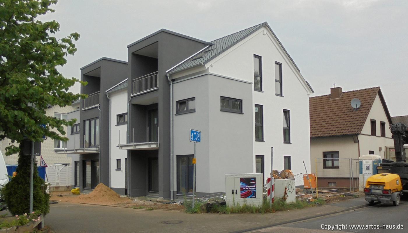 www.artos-haus.de / Einbau Haustüre in MFH