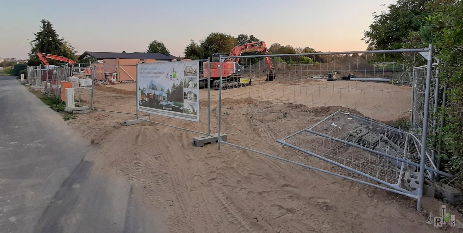 Bild unserer Baustelle in Hürth. Hier entstehen 3 DHH. www.artos-haus.de | Bild 9