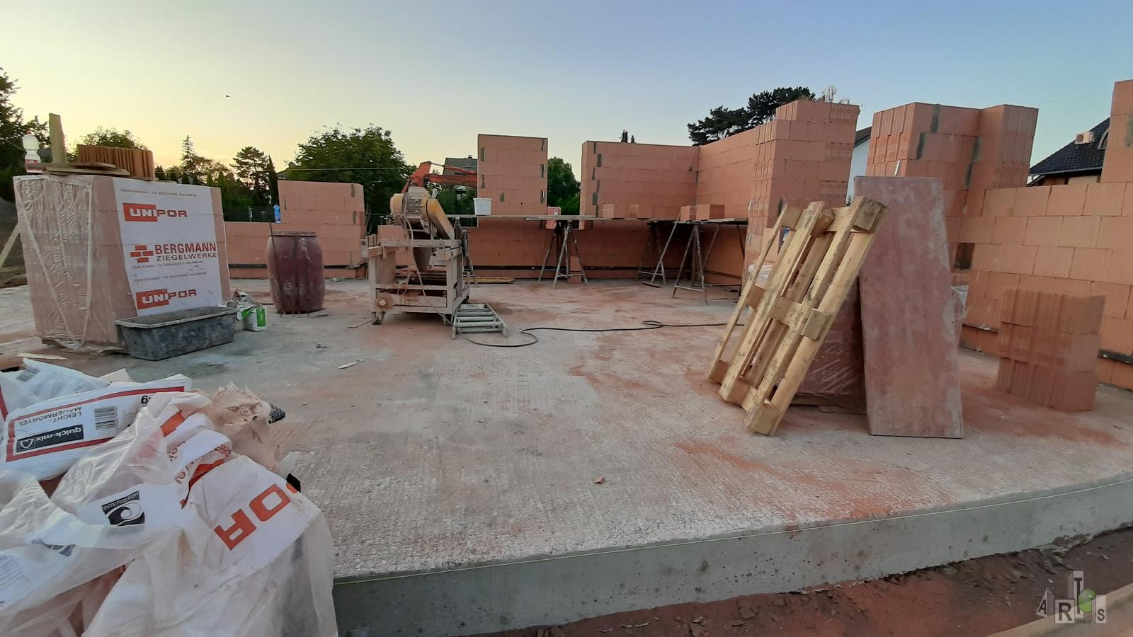 Bild unserer Baustelle in Hürth. Hier entstehen 3 DHH. www.artos-haus.de | Bild 7