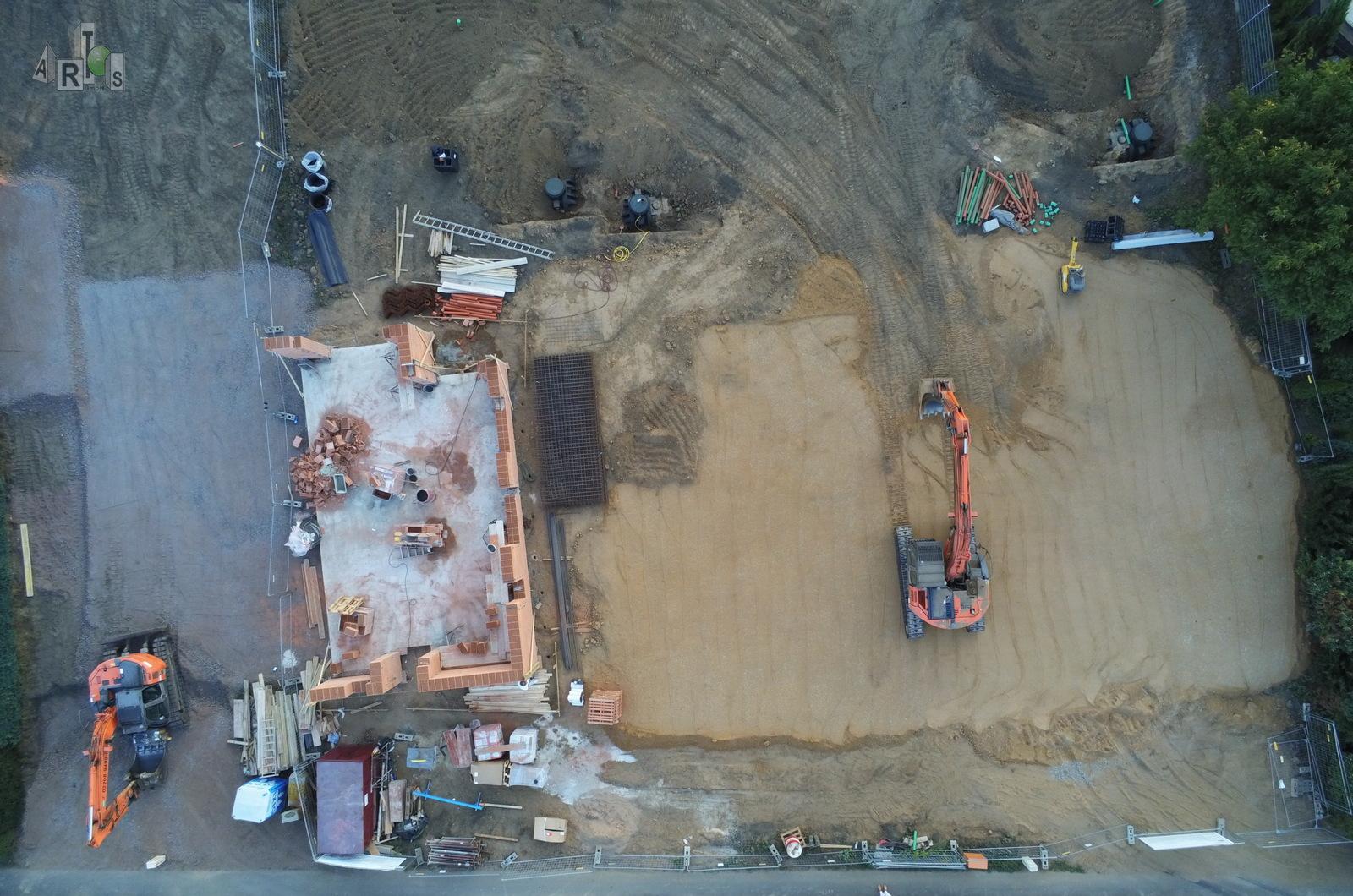 Luftbild unserer Baustelle in Hürth. Hier entstehen 3 DHH. www.artos-haus.de | Bild 1