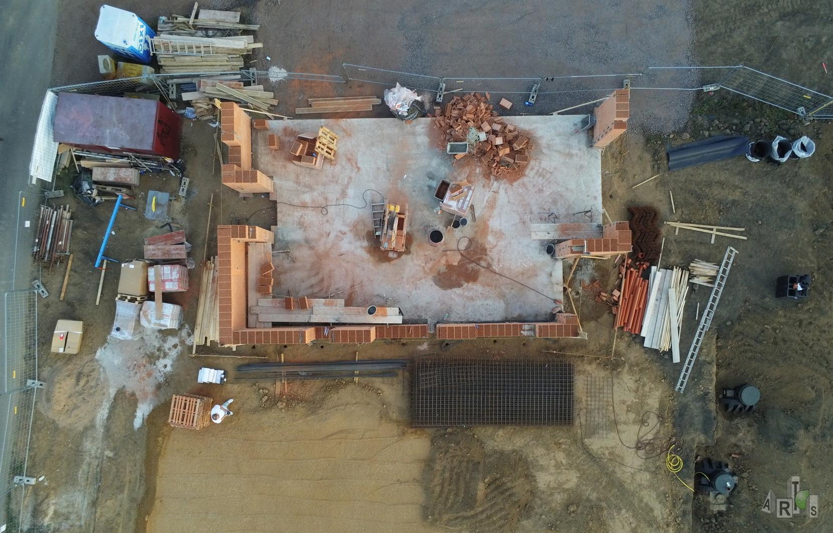 Luftbild unserer Baustelle in Hürth. Hier entstehen 3 DHH. www.artos-haus.de | Bild 2