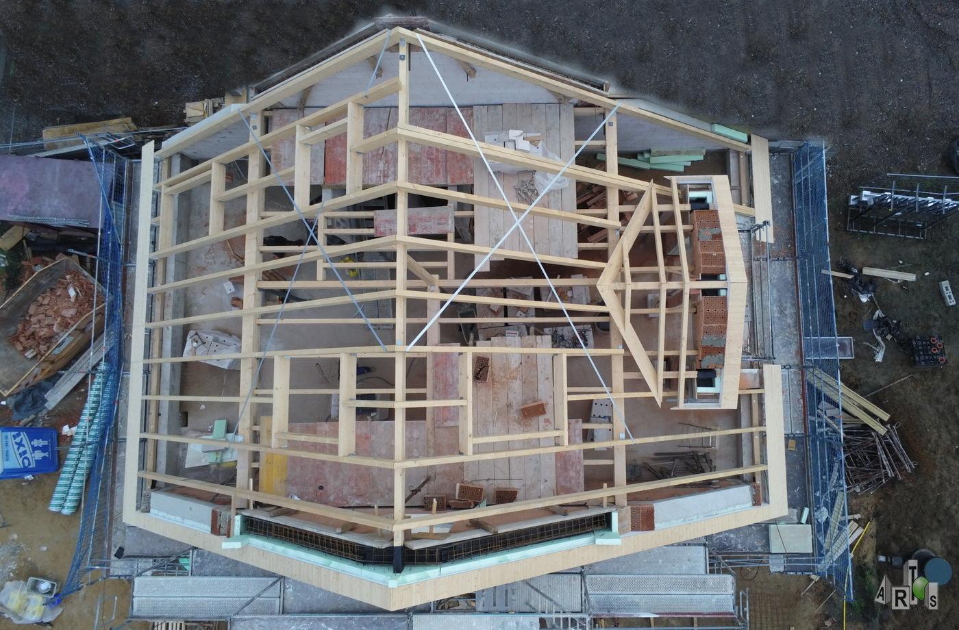 Dachstuhl wurde gesetzt, BV Hürth, DHH. ARTOS-HAUS Bild B