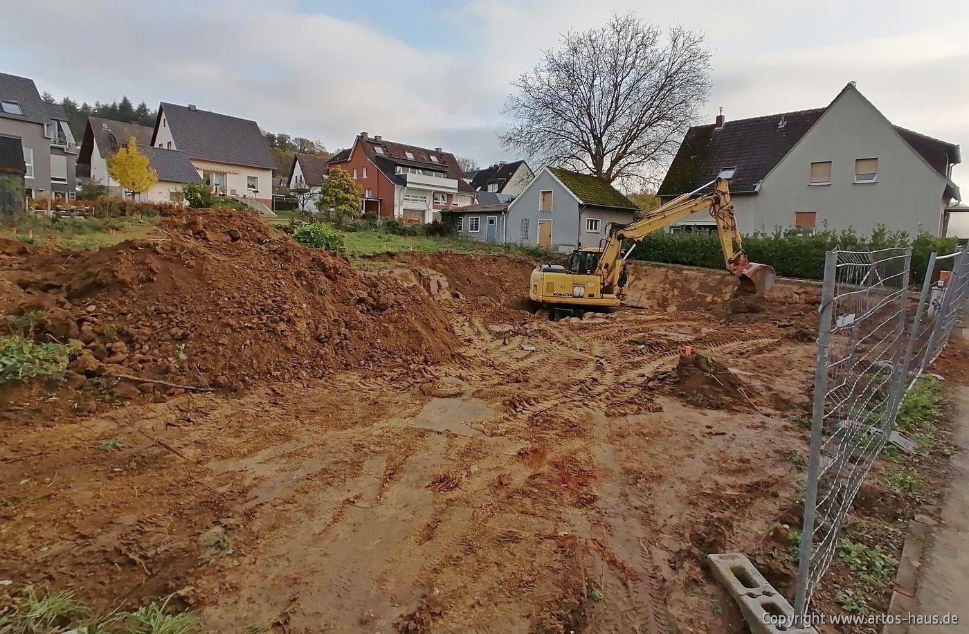 Start der Erdarbeiten für ein neues ARTOS HAUS Bauvorhaben in Bonn Bad Godesberg (Zweifamilienhaus)