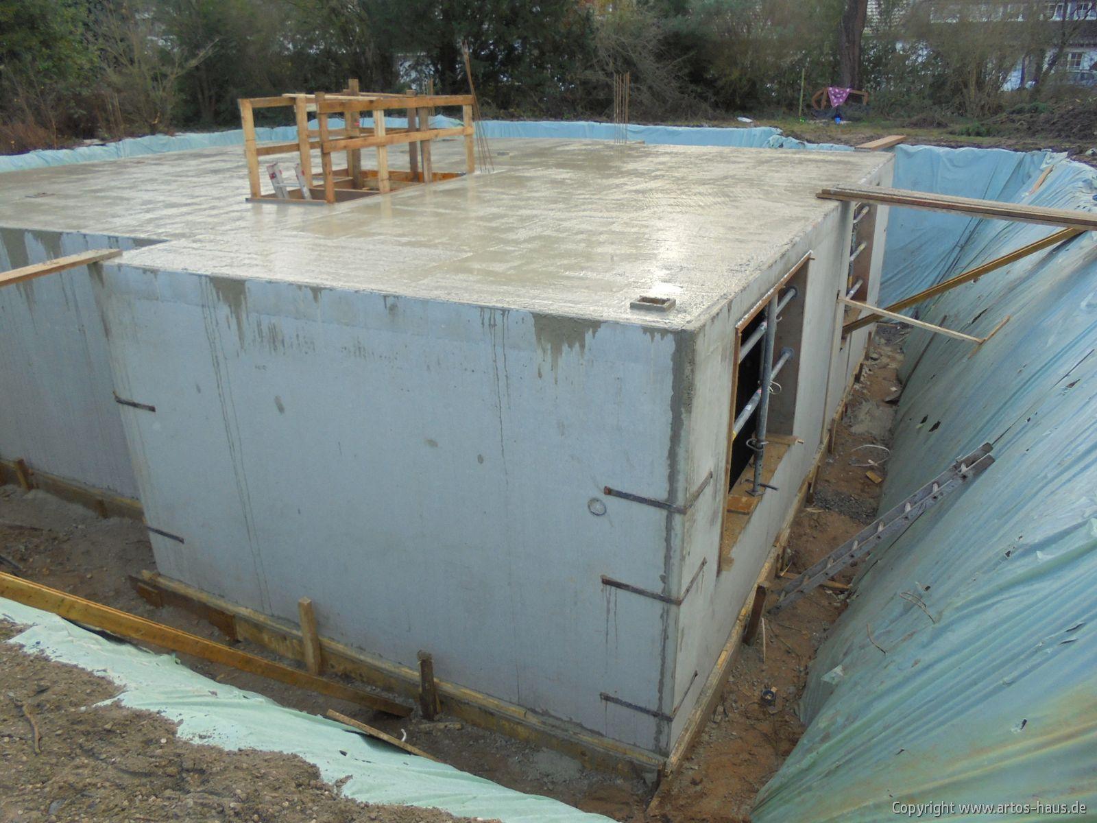 Kellergeschoß Decke betoniert / ARTOS-HAUS Bild 2