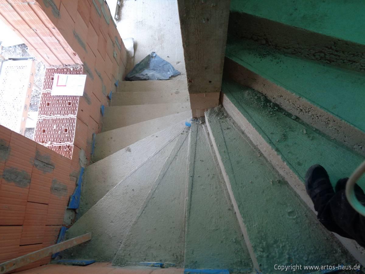 Rohbau Bild 1 Treppe
