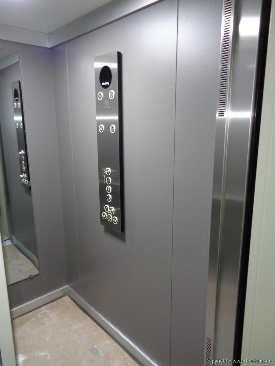 Inbetriebnahme des Aufzuges im Mehrfamilienhaus ARTOS-HAUS Bild 2
