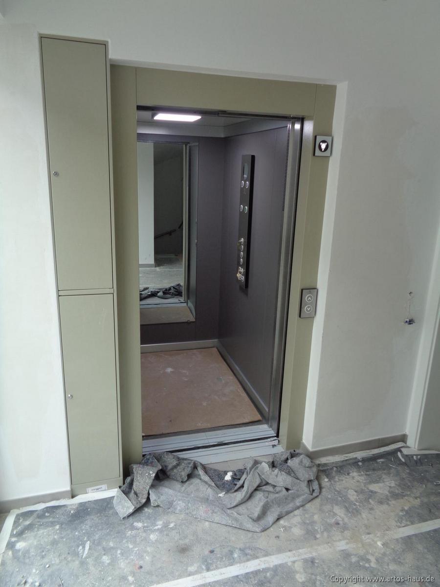 Inbetriebnahme des Aufzuges im Mehrfamilienhaus ARTOS-HAUS Bild 3