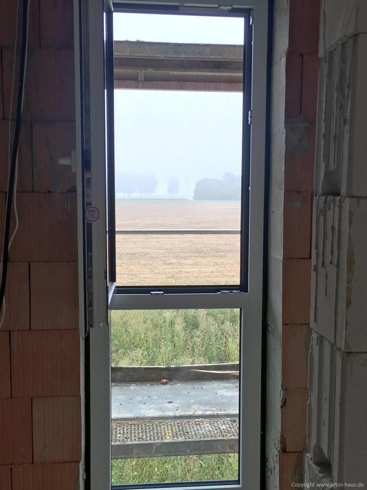 Innenfenster, aussen schwarz